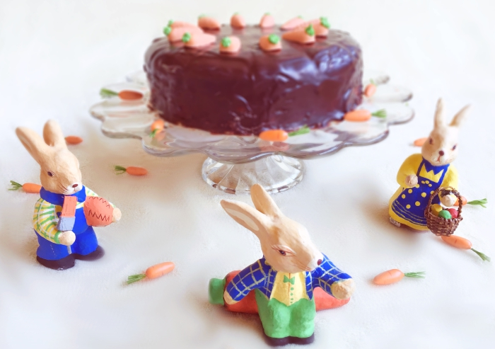 Carrot cake with marzipan - bunnies