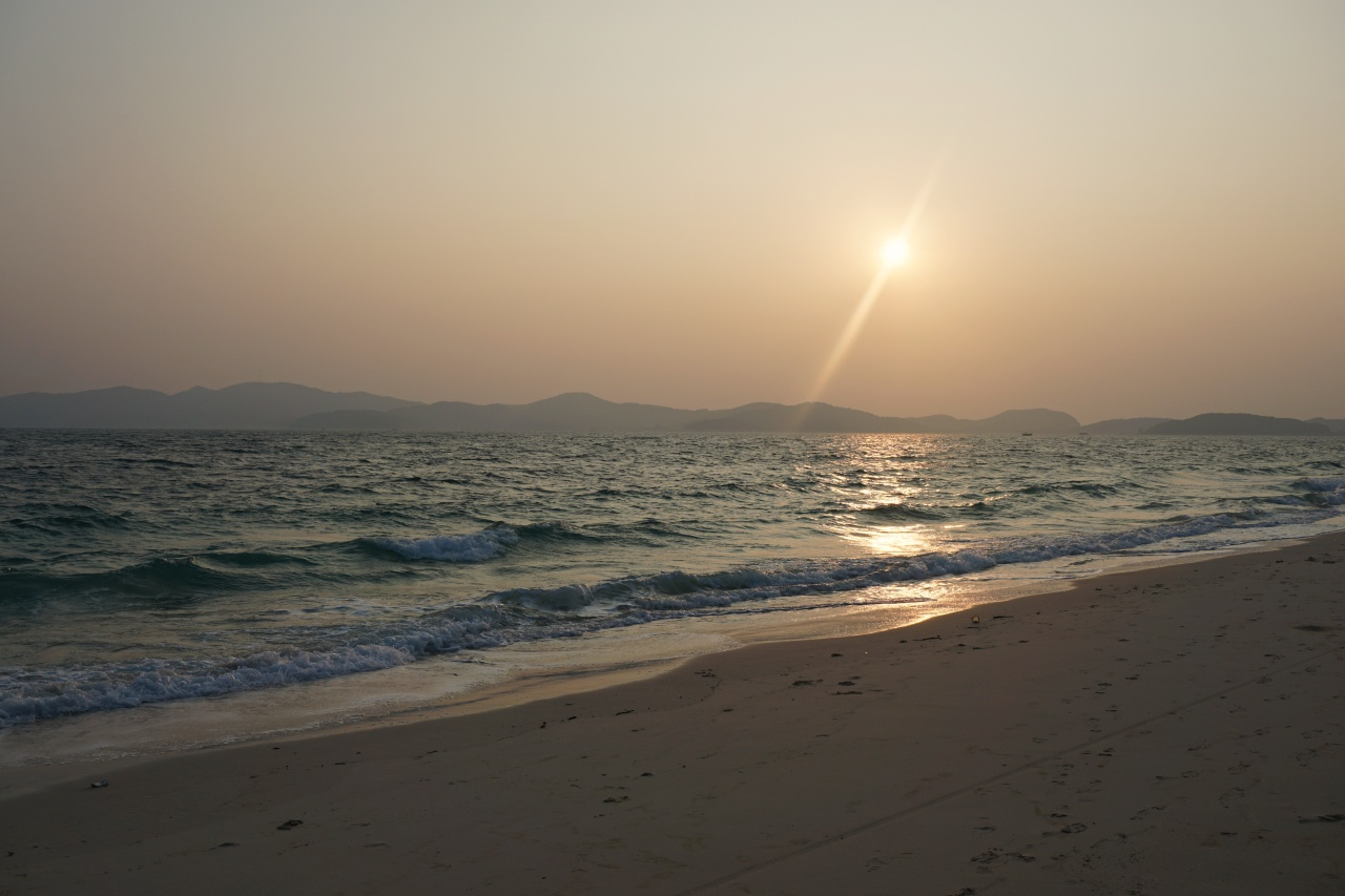 Sunset at Hong Van Beach, Co To Island